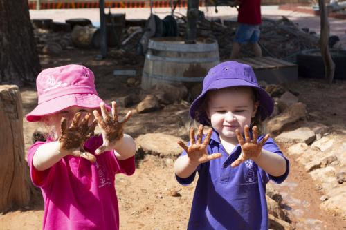 Port-Augusta-West-Childhood-Services-Centre-Muddy-Hands-Outdoor-Play-Nature-Kindergarten