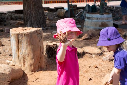 Port-Augusta-West-Childhood-Services-Centre-Muddy-Hands-Outdoor-Play